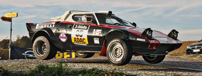 Rallye-Beifahrer im Lancia Stratos